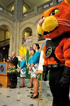 #Caddie at a press conference with Mayor Jerry Jennings of #Albany, NY during the 2012 #Tulip Festival