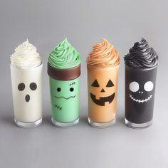 40 Terrific Halloween Food Ideas for a Spooky Halloween Party Yummy Drinks, Yummy Food, Kreative Desserts, Bebidas Do Starbucks, Colorful Drinks, Cute Baking, Rainbow Food, Halloween Desserts, Spooky Halloween