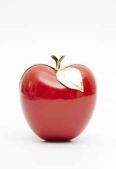 Welcome to the official APOLOGIE website & eshop. Disney Princess Snow White, Apple Wallpaper, Red Gold, Purses, Accessories, Apples, Chihuahua, Cherry, Crystal
