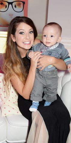 Darcy as a tiny thing and Zoe sugg at Zoella beauty launch party Beautiful Person, Beautiful People, Zoella Beauty, Just Video, Zoe Sugg, Youtube I, Good Morning Friends, Launch Party, Girl Online