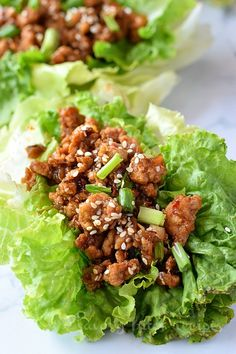If you are looking to fix lunch/dinner under 30 mins then this Asian chicken wrap recipe is your answer! Easy,best recipe of healthy,delicious Asian chicken let Lettuce Wrap Sauce, Chicken Lettuce Cups, Chicken Wrap Recipes, Lettuce Wrap Recipes, Sauce Hoisin, Soy Sauce, Asian Chicken Lettuce Wraps, Pf Changs Lettuce Wraps, Asian Recipes