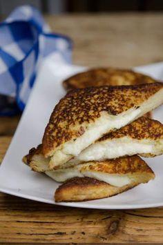 Mozzarella in Carozza (Grilled Mozzarella Sandwiches)
