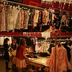 Bodyline Harajuku store, sweet and gothic lolita shopping in Tokyo, Japan. Can you hear the eurobeat disney? I CAN.