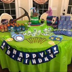 Video Game Birthday Chug Can Wraps Birthday Photo Booths, Birthday Table, Birthday Games, 6th Birthday Parties, Birthday Photos, Boy Birthday, Birthday Ideas, Video Game Decor, Video Game Party