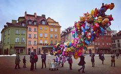 Happy balloons. #warsaw#polland#oldtown#balloons#happy#game#vsco#vscocam#vscodaily l#vscogallery#streetphotography#streetphoto#people#shapes#photography#lovephoto#lovephotography#photographer#shot#pointandshoot#instapic#tbt#travel#natgeo#analog#shotandgo by the_random_variable. vscodaily #photography #balloons #shapes #streetphotography #pointandshoot #happy #photographer #streetphoto #shot #shotandgo #travel #vscocam #vscogallery #oldtown #analog #instapic #tbt #vsco #lovephotography #game…