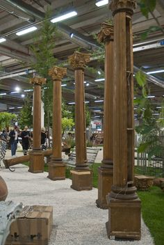 Turn your #garden into a #theatre: wooden columns
