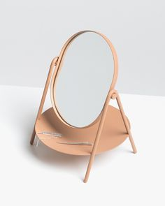 Elli mirror by KNAUF AND BROWN, winner of the Stockholm Furniture Fair 2017 / huskdesignblog.com / #design #mirror #stockholmfurniturefair