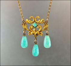 Love vintage jewelry!