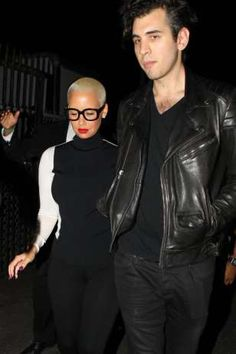 Welcome to Get it right Nigerians blog!: Sexy Star Amber Rose, Steps Out With New Man