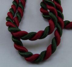 cordelière corde noel bicolore torsadé rouge et verte satiné coupon de 2.5 m diamètre 6 mm : Cordons, lacets par kiki-la-merciere