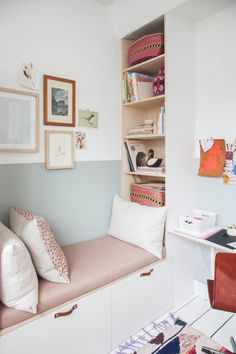 Who hasn't dreamed of having a more Bohemian lifestyle at some point? A bit of freedom, plenty of creativity and above all making time for things that truly matter, such as decorating the kids' room 😉 In this girl's room, this trend translates into some vintage pieces paired with subtle colours, daring combinations and a carefree feeling. […]