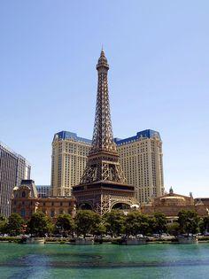 ✮ Eiffel Tower - Las Vegas