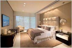 Cabecera d la cama , colores, iluminación del cuarto