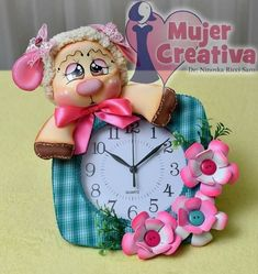 Cold Porcelain, Sheep, Diy And Crafts, Clock, Dolls, Christmas Ornaments, Holiday Decor, Clock Art, Felt House
