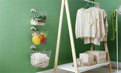 洗濯物や細かい雑貨を入れておくのに便利なバスケット。でも、1つ1つのサイズが大きかったり、重ねづらかったりして […]