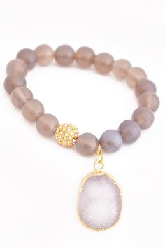 Bringing you the FIRST of our Luxury Collection - this Natural bead & Druzy Bracelet. We love the concept of boutique, but not always the price. You will be AMAZED at the quality of this bracelet; and