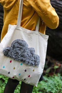 Wolkentasche (tolle Idee, um Werbung auf Stofftaschen ab zu decken..., auch mit anderen Motiven denkbar...)