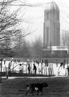 Winter in Utrecht | Overvecht 1979 | Schaatsen op de vijver van Park de Watertoren