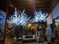 albero a led 2560 LEDS consumo 153 w   Ø DIAM MT 2,5 X MT 3H  colori ROSA / BIANCO