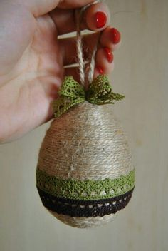 twine wound egg w lace trim Rope Crafts, Egg Crafts, Easter Crafts, Diy And Crafts, Cool Easter Eggs, Seed Bead Crafts, Easter Egg Designs, Diy Ostern, Christian Crafts