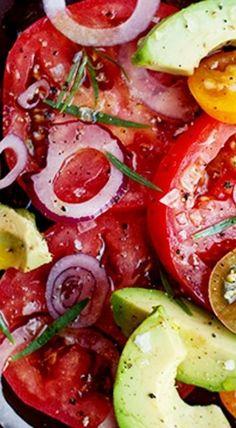 Tomato Recipes Avocado, Onion and Tomato Salad ❊ - Tomato Salad Recipes, Avocado Recipes, Veggie Recipes, Vegetarian Recipes, Cooking Recipes, Healthy Recipes, Tomato And Onion Salad, Poulet Caprese, Soup And Salad
