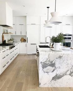 Love looking for great white kitchen decorating ideas? Check out these gallery of white kitchen ideas. Tag: White Kitchen Cabinets, Scandinavian, Small White Kitchen with Island, White Kitchen White Witchen Countertops Kitchen Interior, Kitchen Decor, Kitchen Design, Kitchen Modern, Kitchen Ideas, Scandinavian Kitchen, Scandinavian Design, Small White Kitchens, White Marble Kitchen