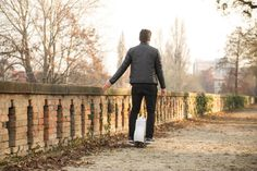 Driving on back roads with Airwheel Q3, enjoy a person's time