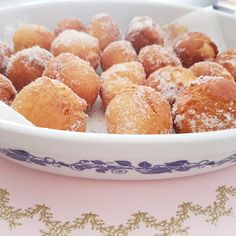 Castagnole, Zeppole, Tortelli Milanesi, sono alcuni dei nomi con cui vengono chiamate queste frittelle dolci tipiche romagnole.