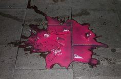 Found the dead body of a fluorescent strawberry milkshake #hamburg #germany #milkshake #erdbeeren #pink #yummy http://icarolavia.blogspot.de/2016/07/auf-kosten-der-gesundheit-teil-sechs.html