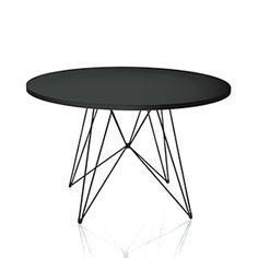 Rundt spisebord med udtræk er opbygget af en kerne af 25mm MDF med ...