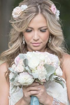 Wedding hairstyle idea; Featured Photographer: David Manning Photography