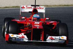 Fernando Alonso conduce el Ferrari F2012 en las sesión de entrenamientos en el Circuito de Cataluña / KER ROBERTSON(GETTY IMAGES)
