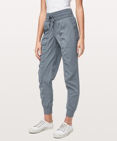 Dance Studio Jogger - These lightweight joggers are easy to throw on over sweaty shorts when you're ready to make a quick getaway. Cute Pants, Women's Pants, Lululemon Pants, Lululemon Athletica, Cute Comfy Outfits, Joggers Womens, Running Pants, Dance Studio, Athletic Outfits