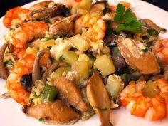 Cocinando con Lola García: Revuelto de setas y gambas Kung Pao Chicken, Shrimp, Healthy, Ethnic Recipes, Diabetes, Food, Gastronomia, Arrows, Egg Recipes