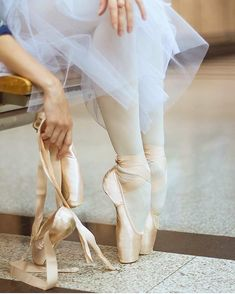 Grishko pointe shoes are so pretty but they are way too narrow for me  Follow me : @ballet_community_s2 For More  . . . .  Visit our shop to buy  Ballet  T-SHIRTS Hoodies Legging Mugs... Updating...  Click the link in my bio ( @ballet_community_s2 )   Printed in the USA   Shipping worldwide   Tag & Share with your Friends  : @world.of.ballerinas  #balletphotography #balletpost #balletbaby #balletblog #balletfitness #balletflats #ballett #balletclub #balletdancers #balletphoto #balletvideo…