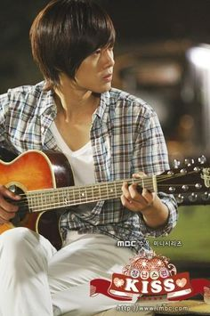 Kim Hyun Joong in Playful Kiss!!