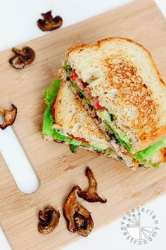 Crispy Mushroom Avocado Sandwich w/Chipotle Aioli (vegan, gluten-free) - Easy to prep ahead of time and assemble when needed! | Vegetarian Gastronomy www.Vegetariangastronomy.com