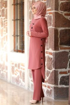 Modest Fashion Hijab, Modern Hijab Fashion, Muslim Women Fashion, Modesty Fashion, Latest African Fashion Dresses, Islamic Fashion, Fashion Outfits, Ankara Fashion, Designer Party Wear Dresses