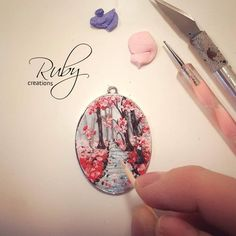 """""""Work in progress...polymer clay painting #polymerclay #fimo #painting #clay #cernit #sculpey #workinprogress #wood #leaves #foliage #flowers #autumn…"""""""