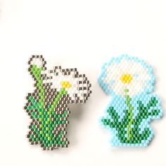 デリカビーズ織りで作るフラワーティッシュカバー「マーガレット」 Flower Patterns, Beading Patterns, Cross Stitch Floss, Peyote Stitch Patterns, Nativity Crafts, Beaded Brooch, Beaded Ornaments, Seed Bead Jewelry, Beading Projects