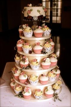 for a very small wedding i would totally do this instead of a full cake, so pretty