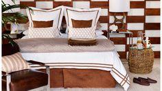 Da posição da cama à cor dos lençóis, passando pelo que pôr na mesa de cabeceira ou nas paredes, reunimos sete dicas para dormir mais confortável, com a ajuda do consultor de feng shui Alexandre Gama.