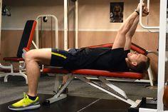Сгибание рук лежа с верхнего блока    Упражнение сгибание рук лежа на скамье предназначено для проработки мышц бицепса. Так же в работу включаются передние дельты плеч, немного грудные и мышцы предплечья.    http://bodysportal.com/bodibilding/uprazhneniya/ruki/sgibanie-ruk-lezha