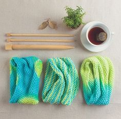 Cowl Three Ways | Try dyeing your yarn on your own with these fabulous Tulip Color Lab Yarn Dyeing kits!