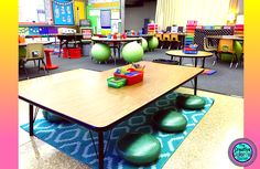 Flexible seating has become all the rage in elementary school classrooms. Rather than confining kids to traditional tables and chairs, teachers are giving students lots of different seating options so that children can take control of their learning and f New Classroom, First Grade Classroom, Classroom Setup, Classroom Design, Classroom Organization, Inclusion Classroom, Science Classroom, Classroom Management, Floor Seating
