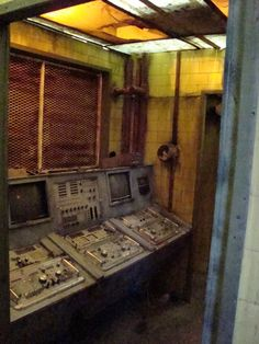 Old Abandoned Buildings, Abandoned Places, Industrial, Homesteads, Escape Room, Control Panel, Asylum, Shadow Box, Home Projects