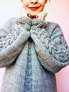 Un hermoso suéter, tutorial gratis. – TEJIDOS KIRIKIRI Crochet, Sweaters, Fashion, Tricot, Crochet Bags, Fabrics, Weaving Patterns, Knitting Charts, Moda
