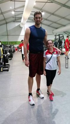 Pau Gasol with Anita Perez.The tallest and the shortest athlete at Rio 2016 #lol #funny #rofl #memes #lmao #hilarious #cute