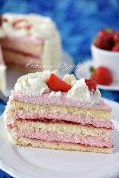 Tort śmietankowo- truskawkowy