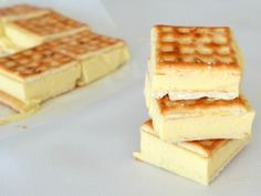 With a creamy lemon cheesecake filling, this easy peasy no bake Lattice Slice makes the perfect dessert! This recipe includes both regular and thermomix ins My Recipes, Sweet Recipes, Dessert Recipes, Favorite Recipes, Cooking Recipes, Banana Recipes, Slow Cooking, Candy Recipes, Easy Cooking